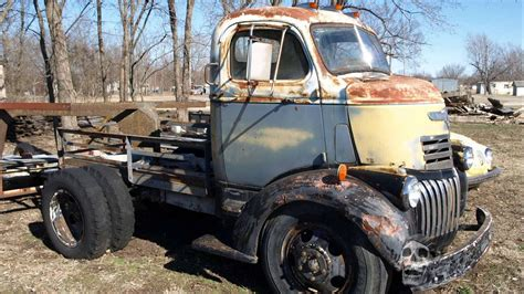 starting abandoned trucks  america   rusted