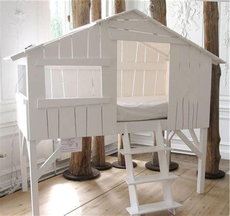 cabane de chambre lit cabane enfant mathy by bols secret de chambre