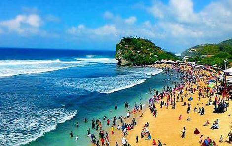 spot pantai indrayanti  menakjubkan  jogja