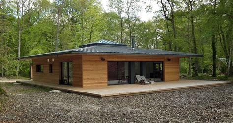 maison ossature bois toit plat prix extension de maison en ossature bois bardage clairevoie