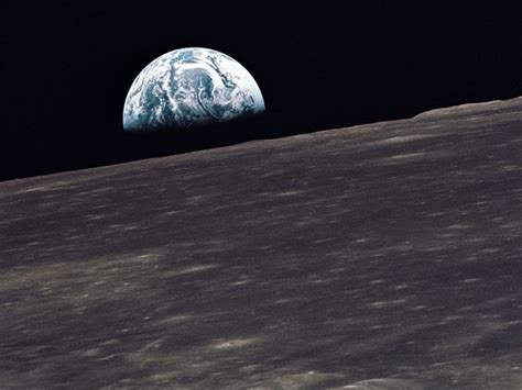 How Far Away The Moon From Earth Edge Outer