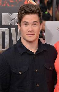 Adam DeVine Photos Photos - Arrivals at the MTV Movie ...