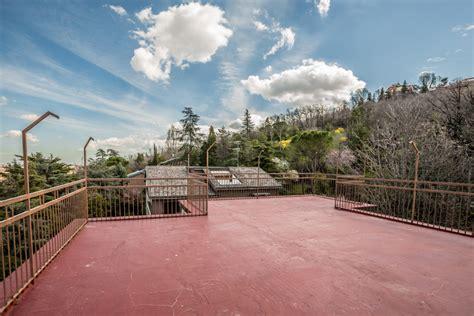 attico terrazzo attico con terrazzo carducci immobiliare