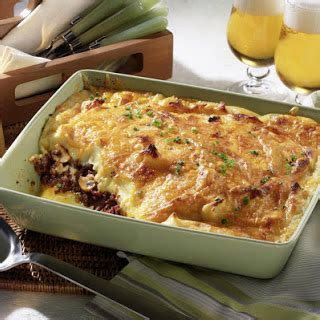 Both the dishes probably originated as a means to use left over meat. 10 Best Shepherds Pie With Mashed Potatoes Recipes