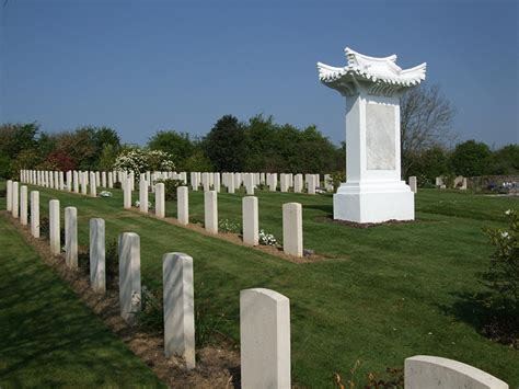 st etienne au mont communal cemetery