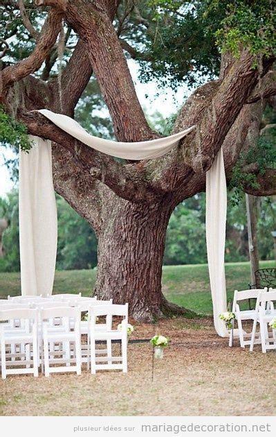 idee autel simple mariage au jardin ou photobooth sous le