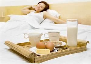 Frühstück Im Bett Tablett : das fr hst ckstablett f r das fr hst ck im bett ~ Sanjose-hotels-ca.com Haus und Dekorationen