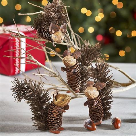 easy  cute diy pine cone christmas crafts moco choco