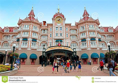 Prix Entree Parc Disney by Disneyland Entr 233 E Principale Au Parc Image Stock