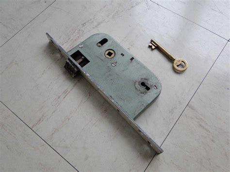 serrure chambre installation thermique changer de serrure porte d entree