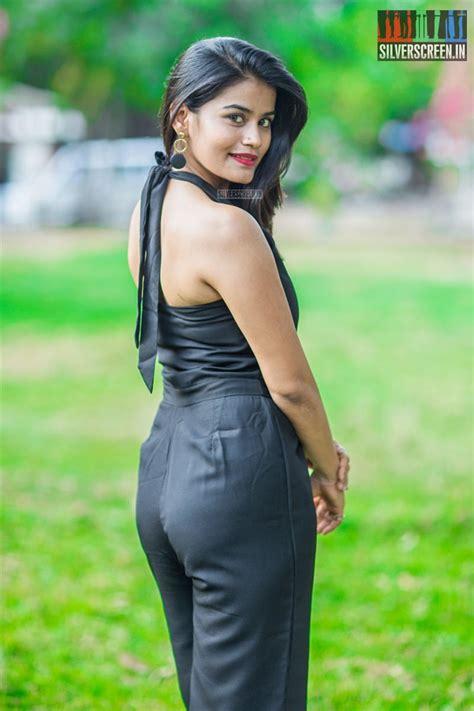 akriti singh tripthi      press show