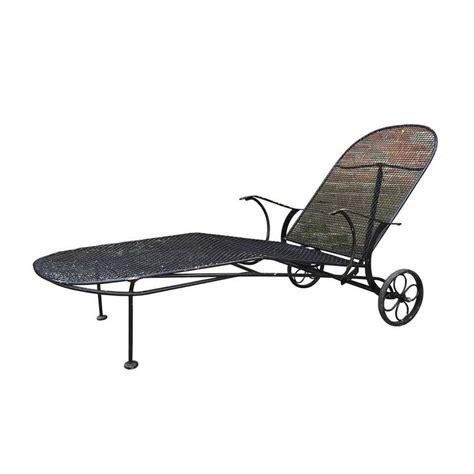mesh chaise lounge chairs mid century woodard 39 sculptura 39 iron mesh outdoor patio
