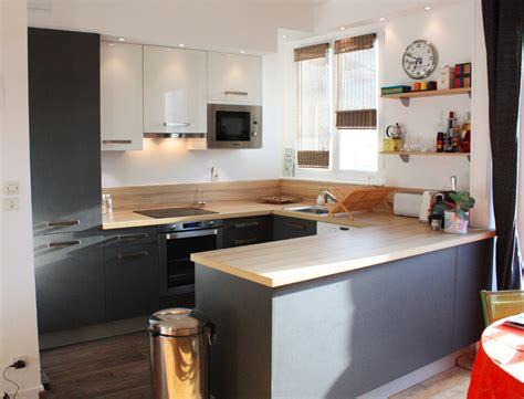 cuisine en u ouverte cuisine ouverte avec un muret en bois laque ideeco