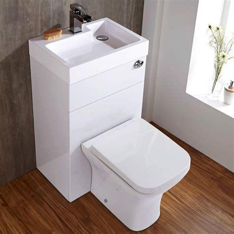 Kombination Aus Toilette Mit Spülkasten Und Integriertem