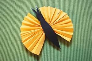 Schmetterlinge Aus Papier : schmetterlinge basteln kinderspiele ~ Lizthompson.info Haus und Dekorationen