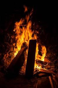 Offenes Feuer Im Wohngebiet : kostenlose foto holz nacht flamme kamin dunkelheit lagerfeuer brennen lodern offenes ~ Whattoseeinmadrid.com Haus und Dekorationen
