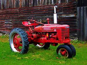 3 Farmall Tractor HD Wallpapers | Backgrounds - Wallpaper ...