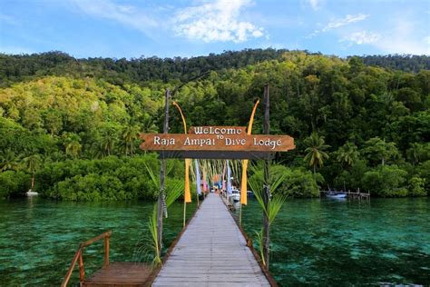 Raja At Dive Lodge Raja At Dive Lodge At Yenpapir Mansuar Island