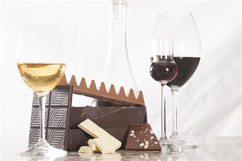 why you should be sipping missouri dessert wines visitmo spotlight presenting you with