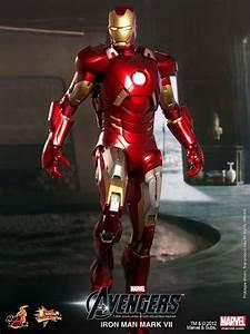 Hot Toys All New Iron Man Mark VII Figure - SuperHeroHype