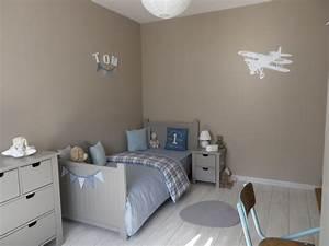 Peinture Mur Chambre : couleur peinture chambre fille ado pour une ans mur jeune ~ Voncanada.com Idées de Décoration