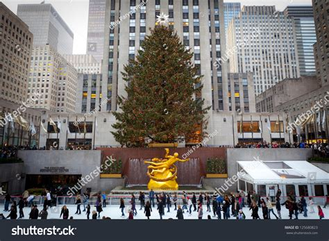 100 rockefeller christmas tree 2014 pictures