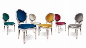 Chaise Medaillon But : alderic chaise m daillon bois et velours mobilier moss ~ Teatrodelosmanantiales.com Idées de Décoration
