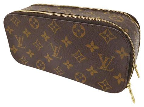 louis vuitton monogram   cosmetic bag tradesy