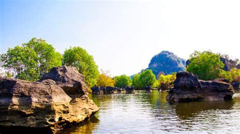 uncover indonesia wisata hutan batu rammang rammang