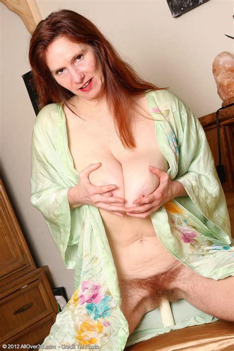 Redhead MILF Breeze Pleasure Her Hairy Muff MILF Fox