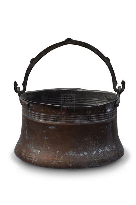 cauldrons  cooking pots prop hire copper cooking pot