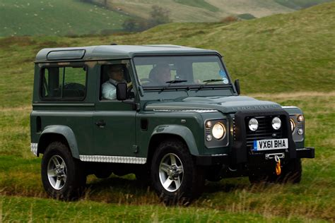 land rover defender   pictures    cars