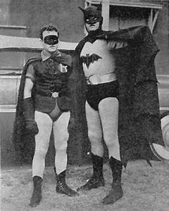 vintage everyday: Batman and Robin, c.1943