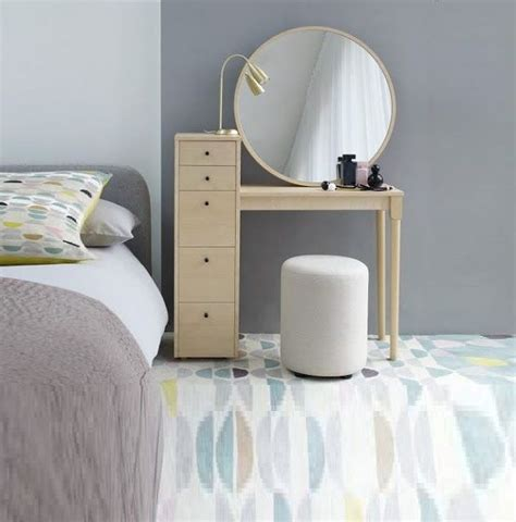 Small Table Ls For Bedroom by 25 Best Ideas About Small Dressing Table On