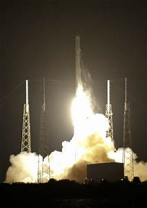 SpaceX launches station supplies for NASA, 'close but no ...