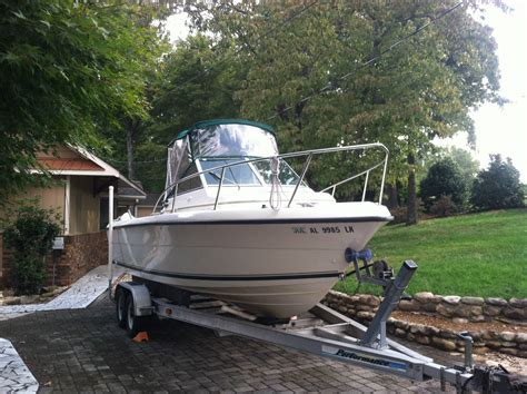 Pursuit Boats Usa by Pursuit 2150 Walkaround 1997 For Sale For 11 750 Boats