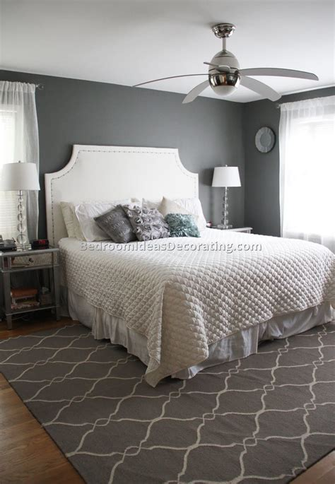 what accent color goes with grey walls go bedding master