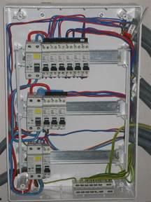 Cablage Tableau Electrique Triphasé by Probl 232 Me Branchement 233 Lectrique Sens Interrupteur