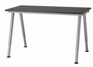 Schreibtisch Glas Ikea : schreibtisch glas galant ikea in oberderdingen b rom bel kaufen und verkaufen ber private ~ Frokenaadalensverden.com Haus und Dekorationen