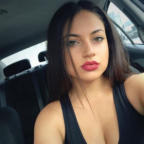 Inanna Sarkis Sexy Pictures 39 Pics Sexy Youtubers