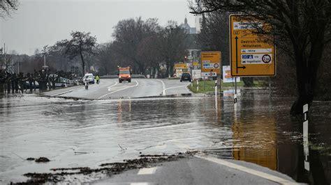 Bilder vom hochwasser in köln und andere betrachtungen………. Hochwasser-Lage in Rheinland-Pfalz verschärft sich weiter ...