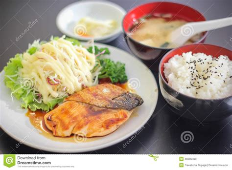 Sushi Japanese Yummy Dish Meat Fish Salmon Delicious The