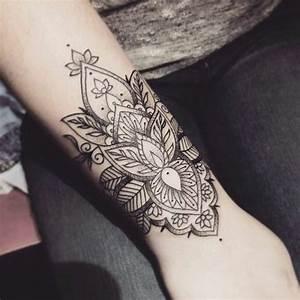 Mandala Tattoo Unterarm : 1001 ideen f r mandala tattoo f r m nner und frauen decorate myself ~ Frokenaadalensverden.com Haus und Dekorationen
