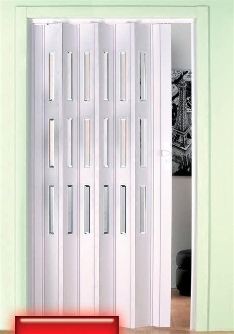 Falttüren Kunststoff Außen by Kunststoff Faltt 252 R H 246 He Nach Ma 223 Wei 223 Mit Fenstern Im