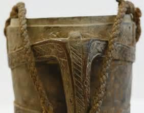 Antike Esstische Holz : antike milchkanne aus holz seidenstrasse shop ~ Michelbontemps.com Haus und Dekorationen