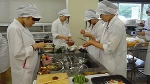 フルコースを作りました♪ - NEWS - 生活科学学科 食物栄養専攻 - 学科・専攻紹介 - 仁愛女子短期大学