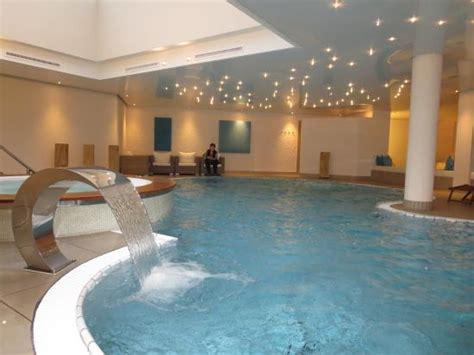 Indoorpool Mit Wassersprudel Und Whirlpool  Bild Von. Park Regis Kris Kin Hotel. Capital Itaewon Hotel. The Peel Hotel. Mercure Angioino Napoli Centro Hotel