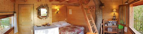 chambre dans les arbres accueil chambre d 39 hôtes cabane perchée cabane dans les