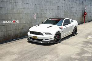S197 Ox Ford white Mustang GT sporting the all new Project 6GR 10-TEN wheels