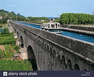 Ramoneur Lot Et Garonne : france lot et garonne agen canal bridge stock photo ~ Premium-room.com Idées de Décoration